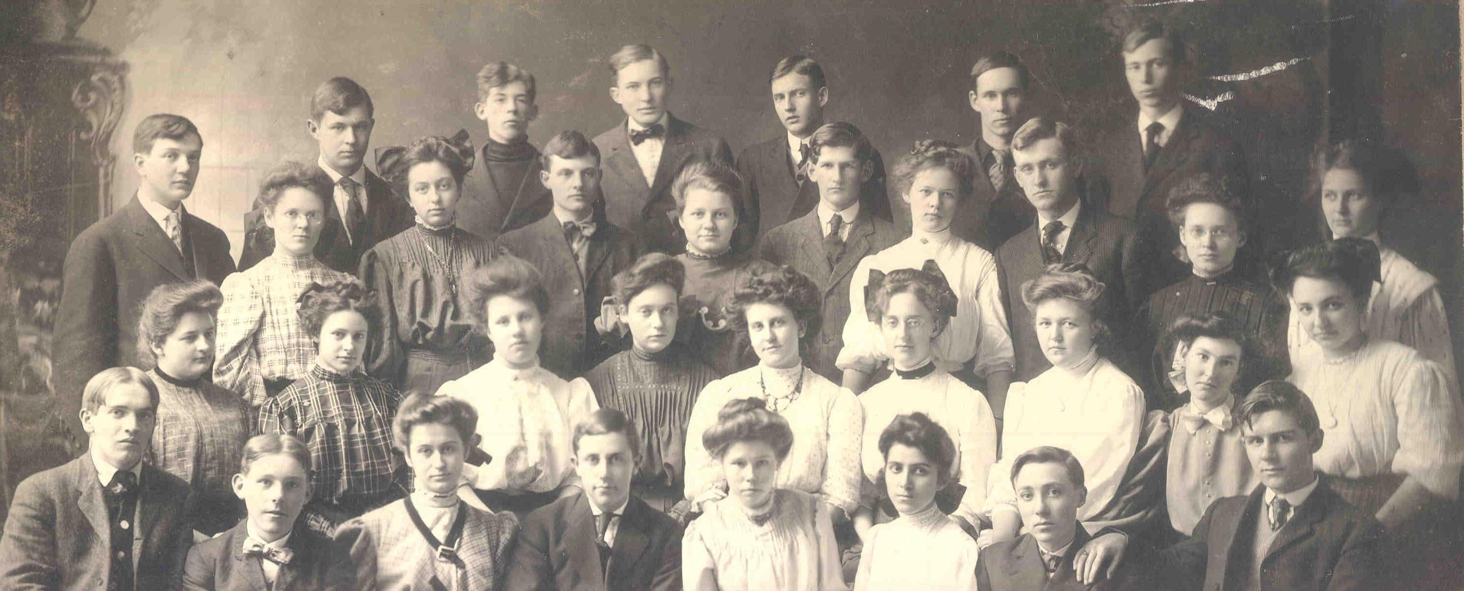 Albion High School Graduating Class of 1909